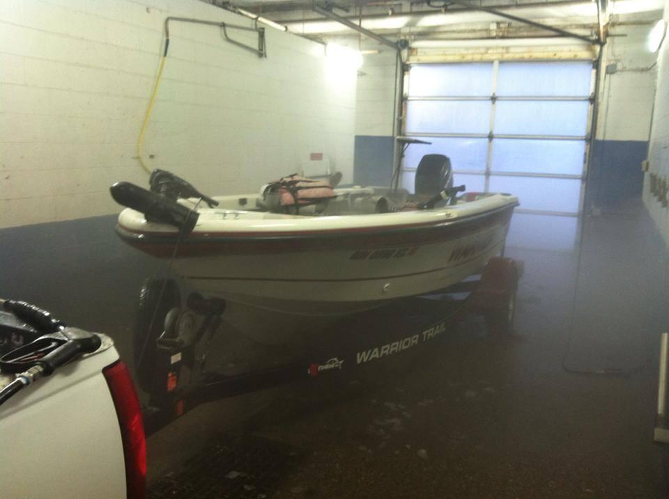 Trailer and boat washing time!!! SPLISH SPLASH!